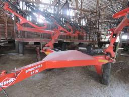 kuhn-sr112-hay-side-rake-12-sun-spinner-s-mounted-new