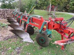 kverneland-bb115-plow-5-furrow-s-mounted-w-big-wheel