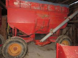 gravity-box-230-on-market-running-gear-w-fertilizer-auger