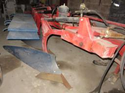 kongskilde-300-hydro-reset-plow-5-furrow-adjustable-14-t0-20-in-
