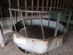 pfb-round-bale-feeder