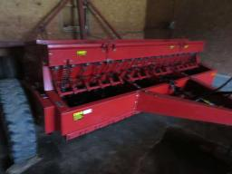ih-5100-seeder-18-run-double-disc-at-7-seed-box