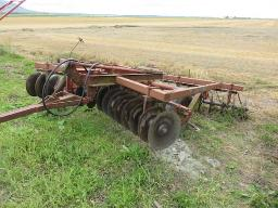 m-f-disc-harrow-32-disc-semi-mounted