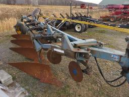 overum-sweeden-plow-4-furrow