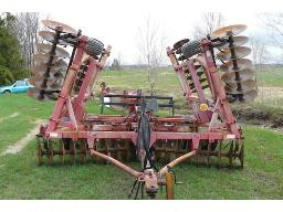 m-f-820-disc-harrow-68-disc-22-semi-mounted