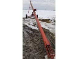 sakundiack-grain-auger-7x41-on-wheels-pto