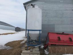 feed-bin-plastic-1-5-ton