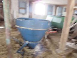 bog-ball-fertilizer-spraeder-3-pth