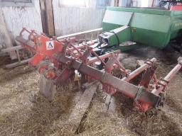 a-c-corn-cultivator-4-rows-3-pth