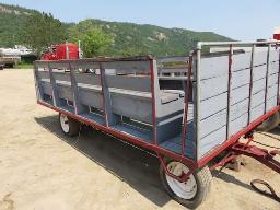 horse-ride-wagon-on-running-gear