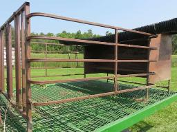 calf-pen-w-feeder
