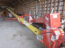 westfield-grain-auger-10x61-w-hydro-tub-pto-on-wheels
