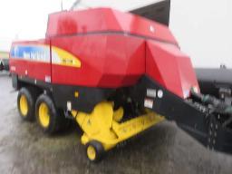 2009-n-h-bb940a-pt-square-baler-crop-cutter