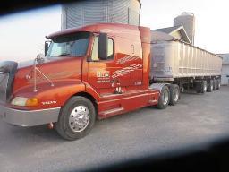 2003-volvo-truck-trailer-10-wheeler-cummins-isx-engine-18-speed-trans-