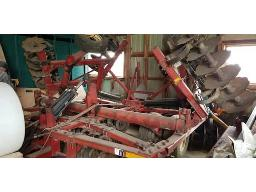white-271-disc-harrow-18-ft-52-disc-hydro-extension-s-mounted