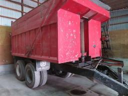 big-dump-trailer-on-10-wheeler-frame-truck-telescopic-cylinder