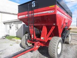 brent-557-gravity-box-new-on-44-5r22-5-tires-lights-breaks