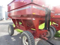 pronovost-gravity-box-325-bushels-on-running-gear-20in-tires