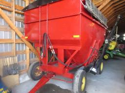 flexi-gravity-box-225-bushels-on-running-gear-11-l-15-tires-w-unverfeth-fertilizer-auger