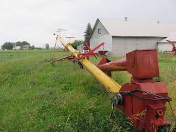 westfield-grain-auger-10x61-w-swing-hopper