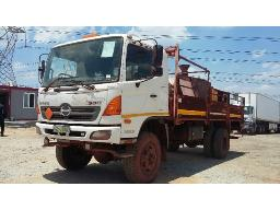 2012-toyota-hino-500-1322-4x4-service-truck-with-diesel-tank-water-tank-with-pressure-cleaner-generator-located-at-aucor-midrand-truck-yard-