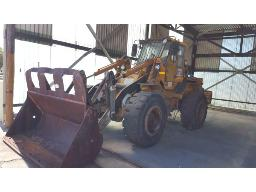 bell-l1206b-front-end-loader-6pc-buyers-commission-hydraulics-faulty-transmission-problem