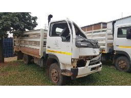 2013-nissan-ud40-cattle-body-to-be-collected-in-phelindaba-