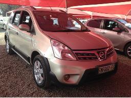 2014-nissan-livina-1-6-acenta-x-gear