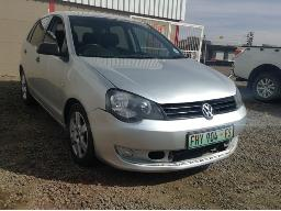2013-volkswagen-polo-vivo-1-4-5dr-airbags-deployed-