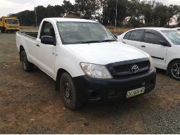 2011-toyota-hilux-2-5-d-4d-p-u-s-c-wheel-faulty-
