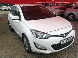 2012-hyundai-i20-1-4-glide-accident-damaged
