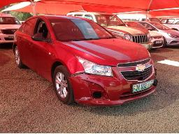 2013-chevrolet-cruze-1-6-l-accident-damaged
