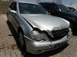 2003-mercedes-benz-c180-komperssor-avantgarde-auto