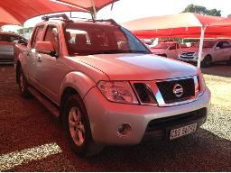 2011-nissan-navara-2-5-dci-le-4x4-p-u-d-c-battery-faulty-oil-leakage