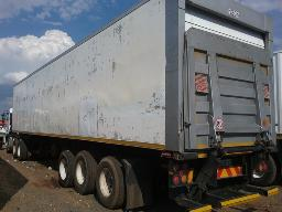 2006-serco-13-6m-tri-axle-refrigerated-semi-trailer-with-taillift-8pc-buyers-commission-will-be-charged