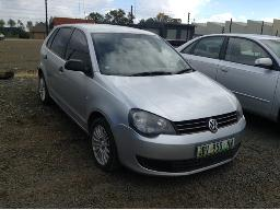 2011-volkswagen-polo-vivo-1-4-trendline-5dr-no-battery