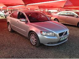 2008-volvo-s40-2-4i-a-t