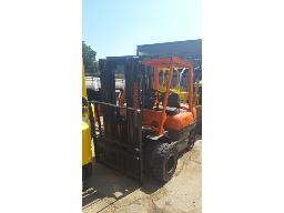 toyota-2-5-ton-double-wheel-forklift-petrol-refurbished-runner