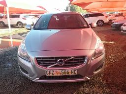 volvo-s60-d5-excel-geartronic