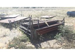 lot-assorted-fence-screens-located-at-stores-yard