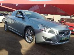 2012-volvo-s60-d5-excel-geartronic