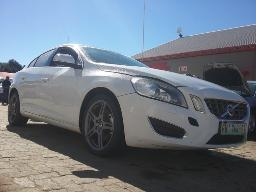 2013-volvo-s60-t3-excel