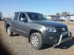 2011-volkswagen-amarok-2-0tdi-trendline-90kw-d-c-p-u-windscreen-cracked-scratches-along-body-panels