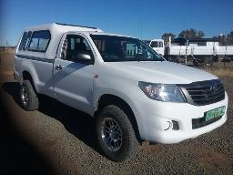 2014-toyota-hilux-2-5-d-4d-srx-r-b-p-u-s-c-with-a-canopy-dent-on-the-left-side-body-panels-dent-scratches-on-tailgate
