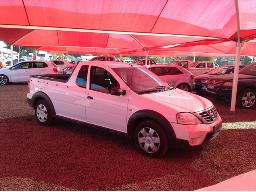 2011-nissan-np200-1-6-s-dual-airbags-p-u-s-c-windscreen-cracked-dent-on-tail-gate-scratches-along-body-panels
