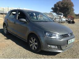 2011-volkswagen-polo-1-4-comfortline-5dr-dent-scratches-along-body-panels