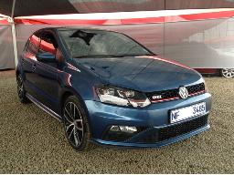 2015-volkswagen-polo-gti-1-8tsi-dsg-windscreen-cracked