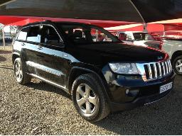 2013-jeep-grand-cherokee-3-0l-v6-crd-ltd-dent-on-right-rear-door-scratches-along-body-panels