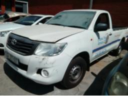 2015-toyota-hilux-2-0-vvti-p-u-s-c-loom-removed-non-runner