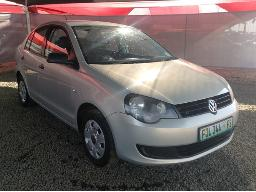 2011-volkswagen-polo-vivo-1-4-trendline-dent-on-right-front-fender-minor-scratches-along-body-panels
